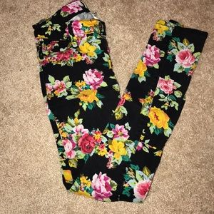 Black flower skinny jeans